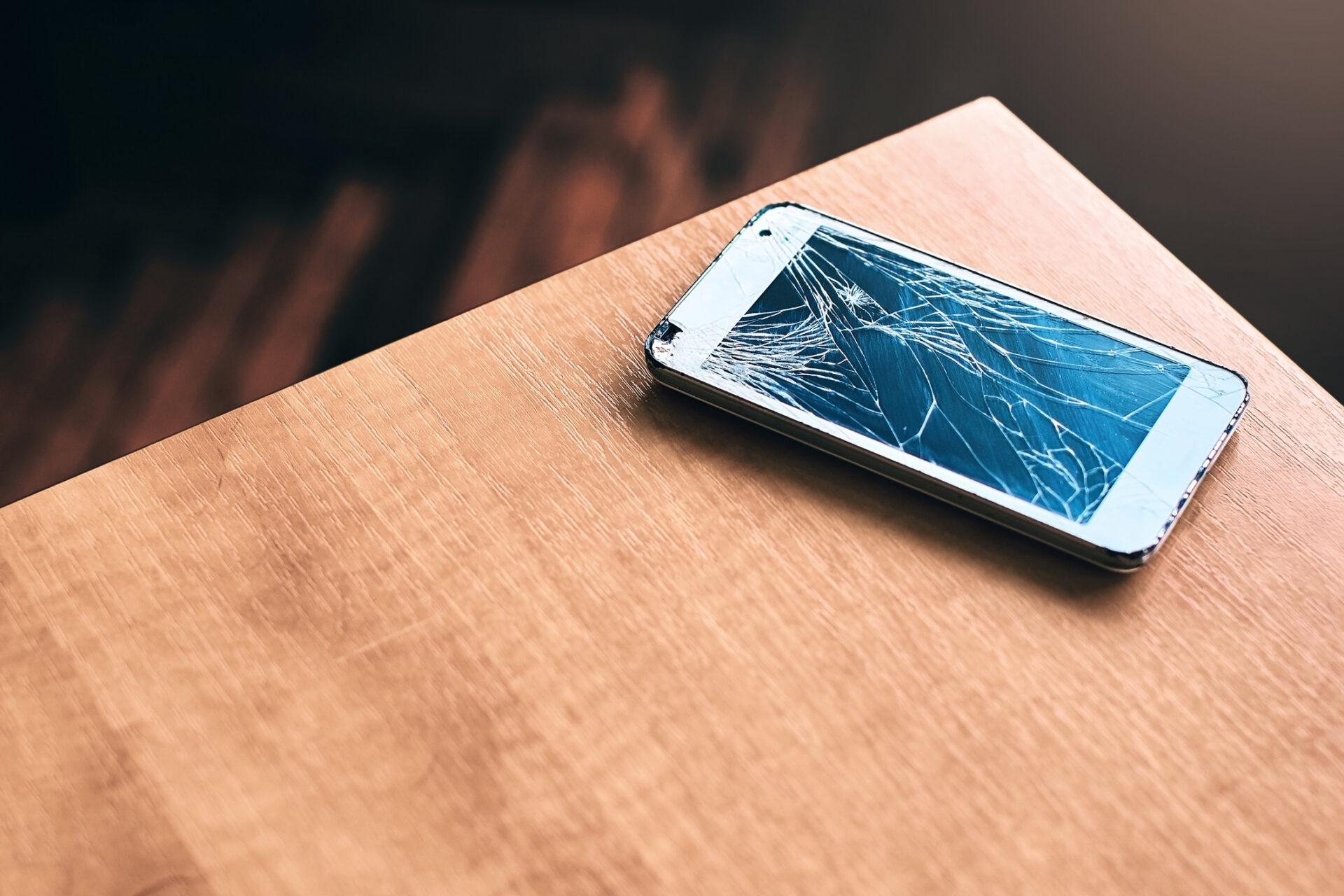 Smartphone perdu, vole, en panne, casse : Adoptez les bons reflexes