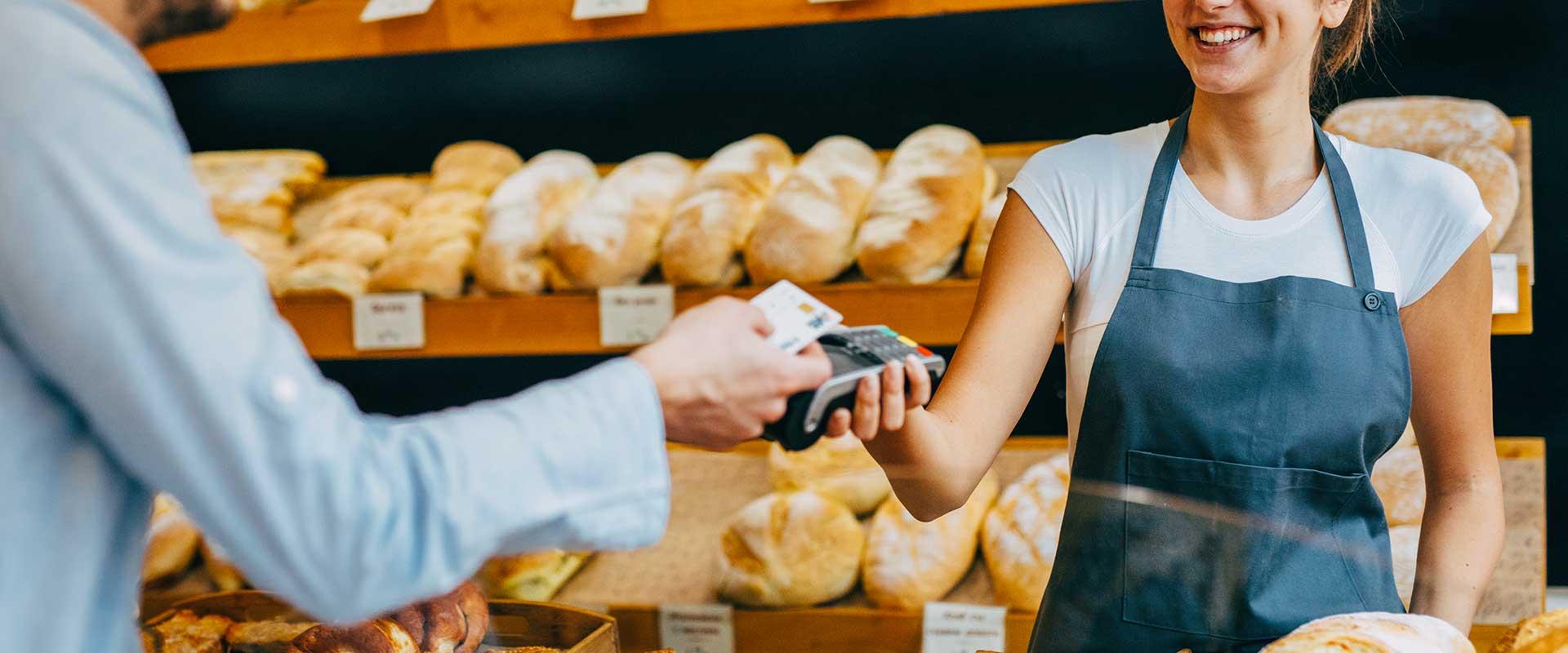 Pourquoi les petits commerçants plébiscitent le paiement sans contact ?